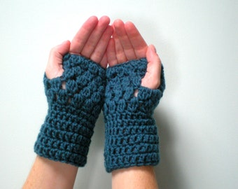 PATTERN:  Decatur Street Mitts, PDF easy crochet pattern, Fingerless Gloves, wrist warmers, mittens, InStAnT doWnLoAd, Permission to Sell