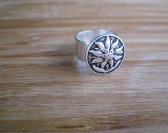 A Sunflower Silver Flower Ring