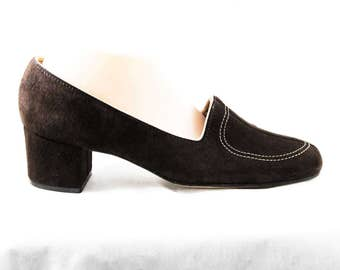 Size 10 Vintage Shoes - Brown Suede 1970s Pumps - 70s Sueded Leather Heels - Quality Sophisticated NOS - 70's Deadstock - Size 10M - 48292-2