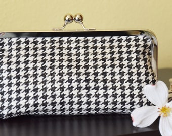 Kiss lock Clutch, Purse, Clasp purse, Cosmetic Pouch, Purse Insert Organizer, Gift for her, Cellphone wallet, Black and White, Houndstooth