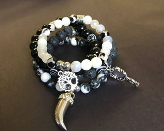 Black to white bracelet set