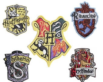 Hogwarts house Griffindor, hufflepuff, Ravenclaw, Slytherin Iron on / sew on Embroidery Patch Badge Embroidered harry potter Applique Motif