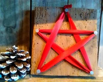 Ribbon pentagram