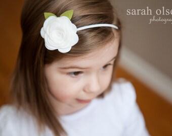 White Rose Felt Flower Elastic headband
