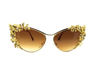 Women's Gold Metal Cat-eye Flower Handmade Statement Sunglasses -  NONGKE