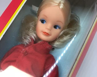 NEW in the box!!! Sindy doll funtime 1986!