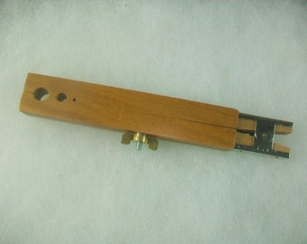 Wooden Bead Holder with Lock Nut 6 Slots