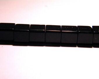 translucent glass - 8 mm-black-PG51 cube 20 beads