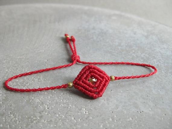 K e r a l a Bracelet . Minimalist Modern Macrame Jewelry . © Design by .. raïz ..