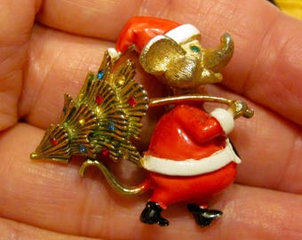 Early Rare JJ Jonette Jewelry Signed Santa Mouse W/ Multi Rhinestone Christmas Tree Brooch Pin BOOK PIECE Holiday Vintage Costume Jewelry