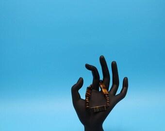 Beautiful Tiger Eye and Black Onyx Bracelet
