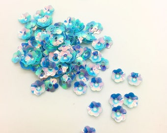 40 cups/sequins form plastic Pearly blue flower