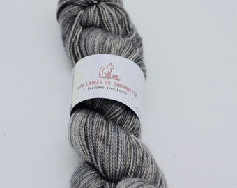 The mouse of Mary Merino, cashmere and nylon