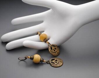 Loop ceramic peace earrings