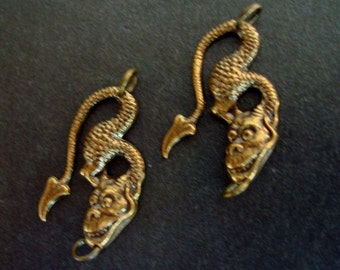 2 Little DRAGONTAILS, 2 RING Connector CREATURES, Necklace or Earring Supply