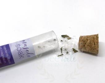 ORGANIC Muscle essential oil infused test tube bath soak \\ sample size \\ foot soak \\ organic peppermint leaves & cinnamon essential oil
