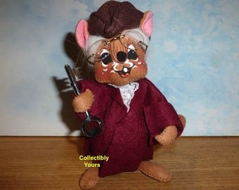 New Annalee BEN FRANKLIN MOUSE,  2011, Graduation, 7in Felt Doll,  dated 1991, Mint, Never Displayed