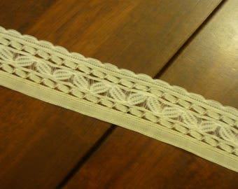 Antique  HONITON  Lace Collar..Handmade...Delicate Detail..Lace Collector...Free Shipping
