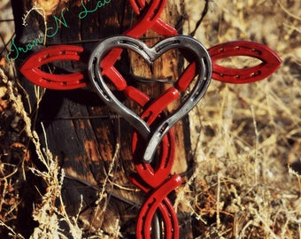 Horseshoe cross with heart© with stake (cross painted heart shiny)