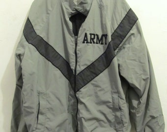 A Vintage,Gray ARMY Nylon Physical Fitness WORKOUT Jacket.M-Long