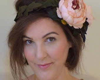 Bridal Woodland Flower Crown. Wedding Hair Crown. Bridal Flower Wreath. Bohemian Flower Crown. Flower Wreath. Pink Flower Hair Accessory.