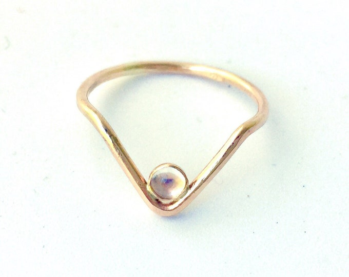 Moonstone and 14k gold v shaped arch ring