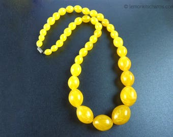 Vintage Yellow Mod Plastic Beaded Necklace, Jewelry 1960s 1970s, Lucite Beads, Mid-century, Long Style