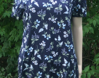 Vintage T-shirt Dress 1990s Rayon Navy Blue with flowers, Floral Dress, size Medium