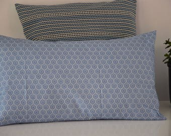 Cushion - 50 x 30 cm - fabric rosettes - blue tones