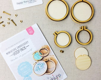 4 Pack of mini embroidery hoops. Dandelyne Hoops. Multi buy bundle. Dandelyne Assorted Round Embroidery Hoops. Miniature embroidery hoops