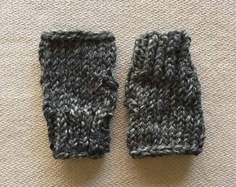 Chunky knit fingerless gloves wristwarmers - charcoal grey gray