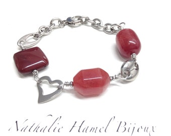 Bracelet made of raspberry, mookaite and stainless steel chain and clasp stainless steel.