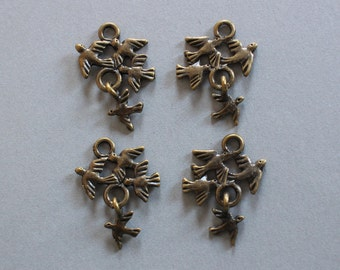 Antiqued Brass Tiny Birds In Flight Dangle Charms