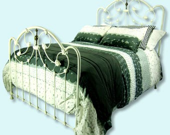 Full Antique Cast Iron Bed, antique wought iron bed, antique metal bed, antique double size bed, antique metal bed, shabby chic bed,