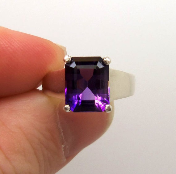 3.20 Carat Purple Amethyst Gemstone Ring Size 7 Sterling Silver Hand Cut Gem