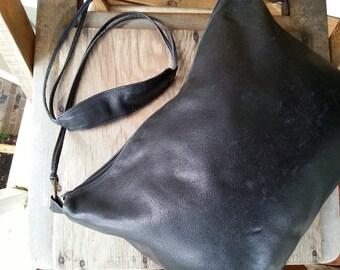 SWAY    ///   Leather Shoulder Bag