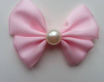 noeud en satin rose et demi perle blanche 42*55mm