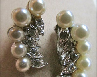 Stunning vintage clip earrings - curved with faux pearls and rhinestones