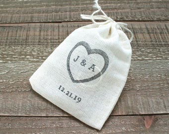 Personalized wedding ring bag, cotton ring bag, ring warming, open heart with initials and date, cloth ring bag, wedding ring pouch, muslin