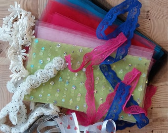 Handicraft kit: Tulle, ribbons, lace