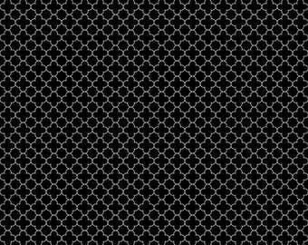 Mini Quatrefoil in Black, Riley Blake Designs (C345-110-BLACK) -- By the Yard