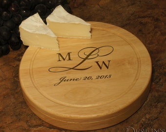 """Design's Brie Wedding Date Personalized Cheese Cutting Board & Tool Set with Couple's Monogram Designs and Font Selection (7.5"""" Diameter)"""