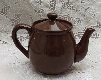Vintage tea pot, petite handcrafted brown pottery tea pot, Mother's Day gift, ceramic tea pot, Afternoon Tea, classic 3 cup tea pot