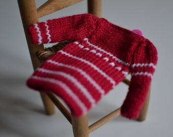 Blythe knitting dress