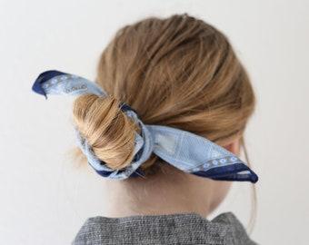 Vintage Blue Bandana Printed Scarf// Vintage Diamond Print Kerchief for Neck or Hair