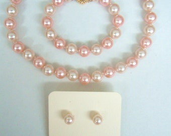 Ivory and Peach Pink Pearl Necklace Bracelet and Pierced Earrings Set