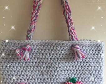 Crocheted Tote bag with flower and butterfly detail