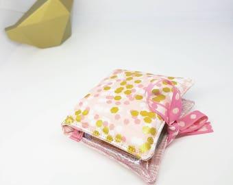 Pochette pour tubes d'homeopathie, mini trousse à pharmacie, étui à tubes de granules, rangement pour 8 tubes d'homeopathie. Rose doré.