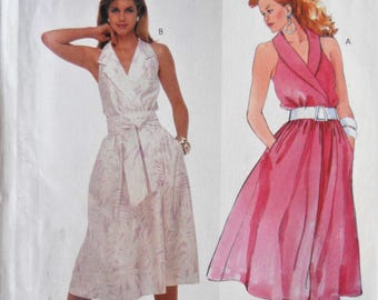 McCall's 2542. Misses Halter dress pattern.  Halter dress with shawl collar dress pattern.  Sun dress pattern.  Bridesmaid dress.  Size 8.