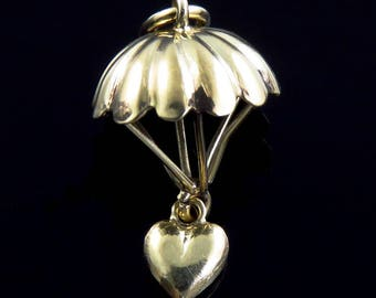 Lovely Vintage 14K Yellow Gold Heart on a Parachute Charm